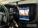 Mitsubishi_Outlander_Tesla_3